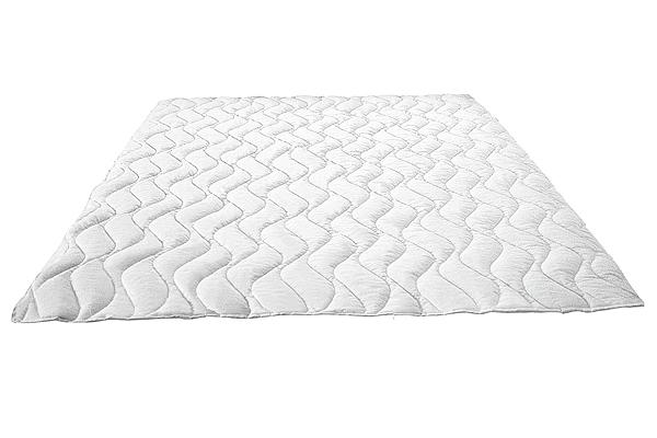 Стеганое одеяло (стеганое детское одеяло)